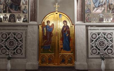 Királyi ajtó került a székesegyházba