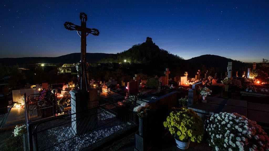 November 1. – Temetői megemlékezés elhunytjainkról